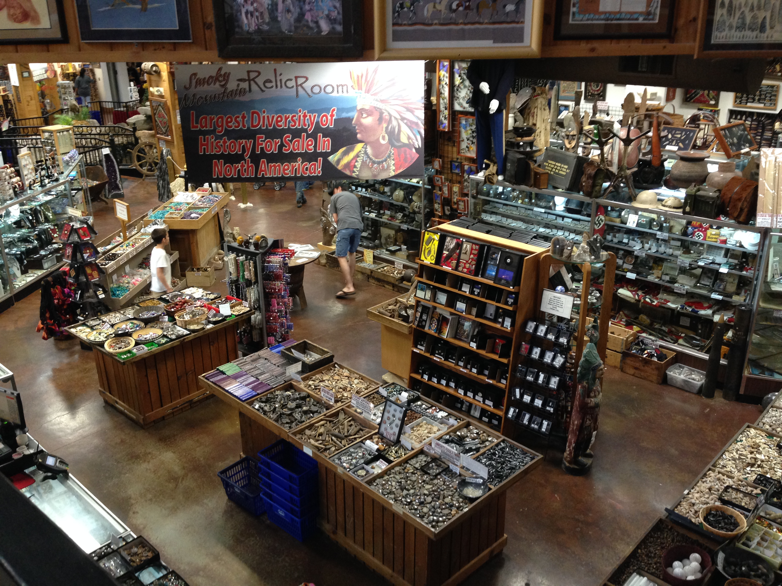 Smoky Mountain Knife Works Sevierville offers a true paradise for knife enthusiasts of all ages and varieties. Whether you're searching for a knife for that next big hunting trip or for everyday use in the kitchen, if you can imagine it, Smoky Mountain Knife Works Sevierville probably has the knife you need.